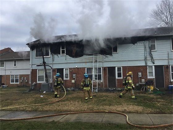 MD FIREFIGHTER SUFFERS BURNSSMOKE INHALATION AT ANNAPOLIS TOWNHOUSE...