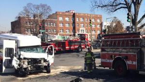 FIRE APPARATUS CRASH IN WASHINGTON DC-FIREFIGHTERS & CIVILIANS INJURED