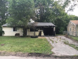 IL FIREFIGHTER INJURED AT HOUSE FIRE