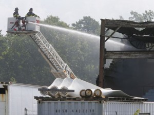 3 FIREFIGHTERS INJURED AT NJ TOWING COMPANY FIRE
