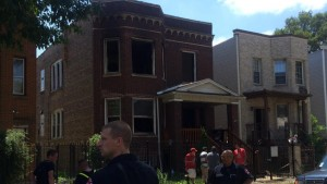FLASHOVER IN CHICAGO INJURES 4 FIREFIGHTERS