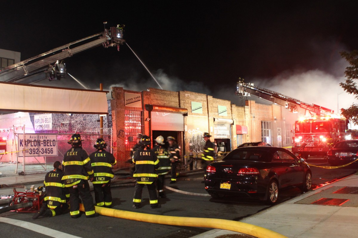 4 Fdny Firefighters Injured At 5 Alarm Fire