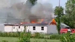 4 FIREFIGHTERS INJURED AT IL FIRE