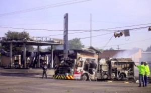 FIRE TRUCK DESTROYED AT MAJOR FIRE & CRASH IN TX