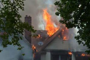 10 FDNY FIREFIGHTERS SUFFER HEAT EXHAUSTION AT STATEN ISLAND 6th ALARM