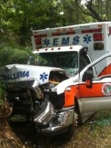 $200,000 city ambulance totaled in weekend crash – Hawaii