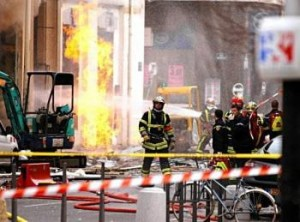 FRENCH FF KILLED IN GAS EXPLOSION ON FIRE SCENE