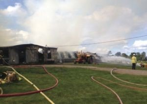 4 FFs INJURED AT COW BARN FIRE IN NY