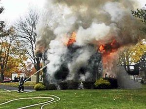 3 FIREFIGHTERS INJURED AT CT FIRE