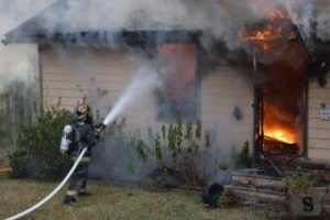 FIREFIGHTER RESCUED AFTER FALLING THRU FL IN MS FIRE