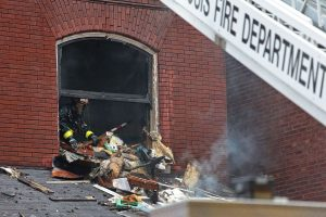 2 ST. LOUIS FIREFIGHTERS INJURED AT FIRE