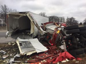 AGAIN! FIRE APPARATUS CRASH-STRUCK ON THE INTERSTATE-THIS TIME: KENTUCKY!