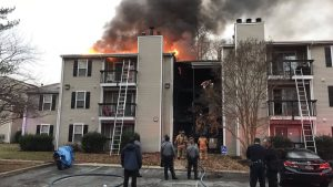 2 DELAWARE FIREFIGHTERS INJURED AT MULTI FAMILY DWELLING FIRE WITH RESCUES