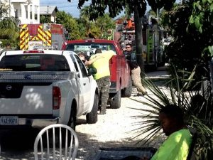 FIREFIGHTER CRITICAL, 3 WORKERS DEAD IN UNDERGROUND RESCUE/GAS EXPOSURE-FLORIDA