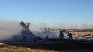 FIREFIGHTER HURT AT MI BARN FIRE