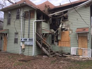 INDIANA FIREFIGHTER INJURED AT 2 ALARM APARTMENT FIRE