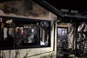 2 CALIF FIREFIGHTERS SHOCKED AT HOUSE FIRE, POWER THIEVES MAY BE CHARGED