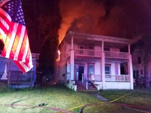 IL FIREFIGHTER INJURED AT VACANT HOUSE FIRE