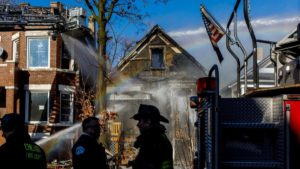 MAYDAY IN CHICAGO – FLASHOVER – FIREFIGHTERS INJURED