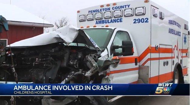 EIGHT HURT IN KENTUCKY EMS CRASH