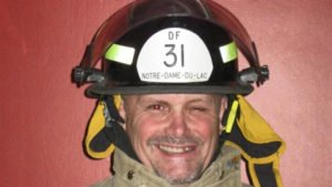 FIREFIGHTER STRUCK BY SHAFT AT INDUSTRIAL FIRE-LODD (QUEBEC, CANADA)