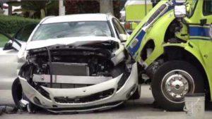 4 HURT WHEN DRIVER RUNS LIGHT & STRIKES FIRE APPARATUS IN FLORIDA