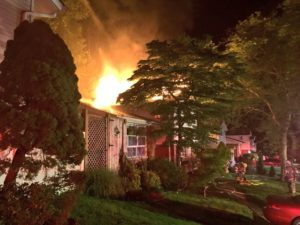 MD FIREFIGHTER SUFFERS MINOR INJURY AT FIRE