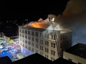 2 FIREFIGHTERS INJURED AT IOWA BUILDING FIRE