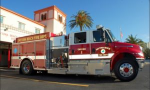 FLA. FIREFIGHTER BURNED AT APARTMENT FIRE