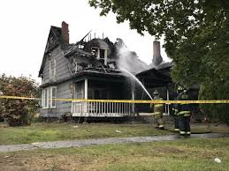 2 SPOKANE FIREFIGHTERS INJURED AT HOUSE FIRE