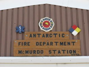 2 FIRE TECHNICIANS KILLED–PERFORMING DUTIES ON A GENERATOR AT USA SITE McMURDO ANTARCTICA